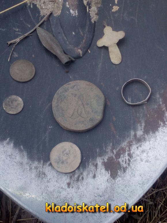 лопата с находками2
